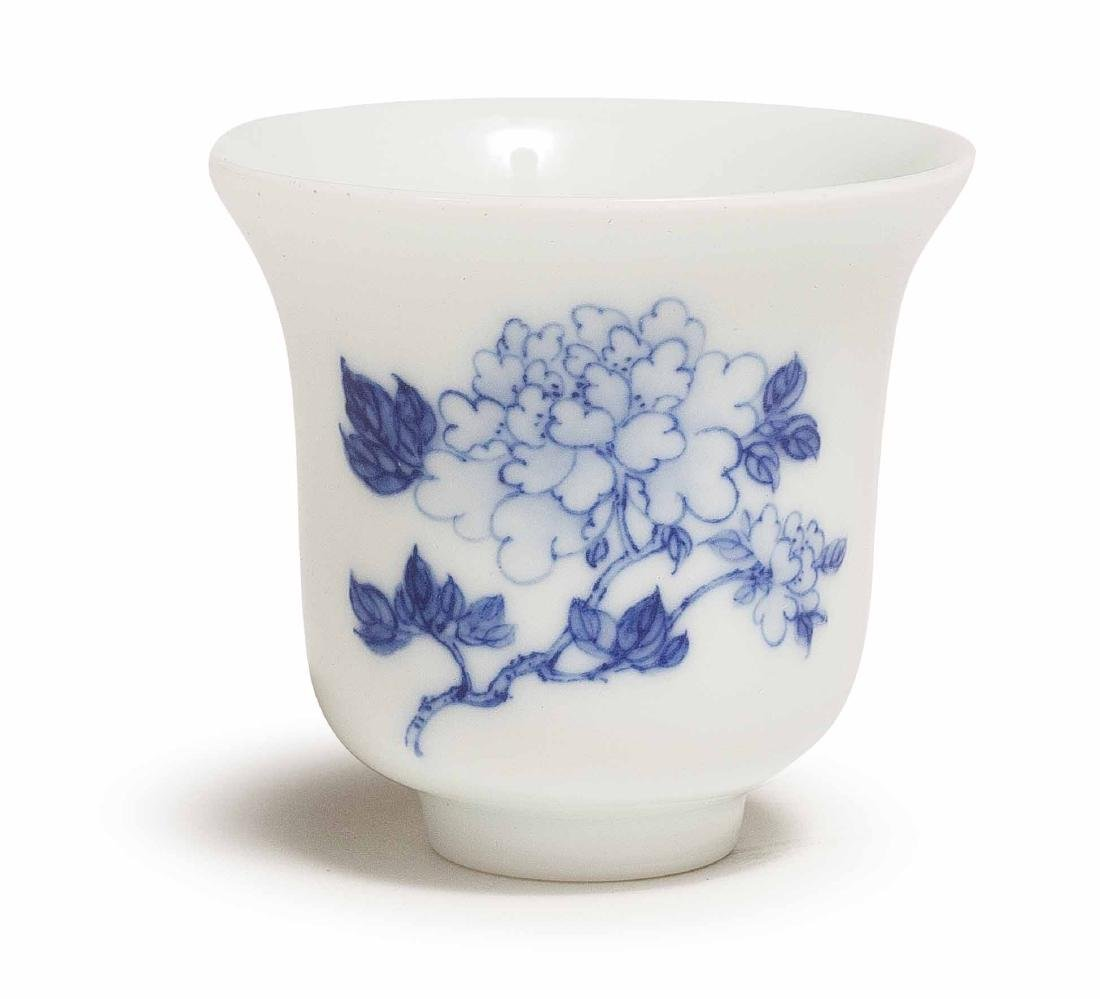A XIAOFANG KILN BLUE AND WHITE PEONY CUP - 2