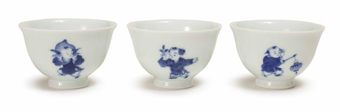 THREE PIECES OF XIAOFANG KILN BLUE AND WHITE CUP