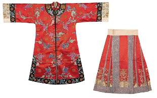 AN EMBROIDERED SILK WOMAN'S COAT AND A SKIRT, GUANGXU