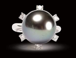 NATURAL TAHITIAN BLACK PEARL AND DIAMOND RING 18K GOLD