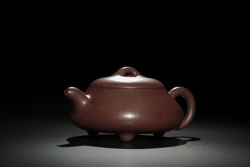 89: A 'Aishipiao' Pottery Teapot By Gu Jingzhou