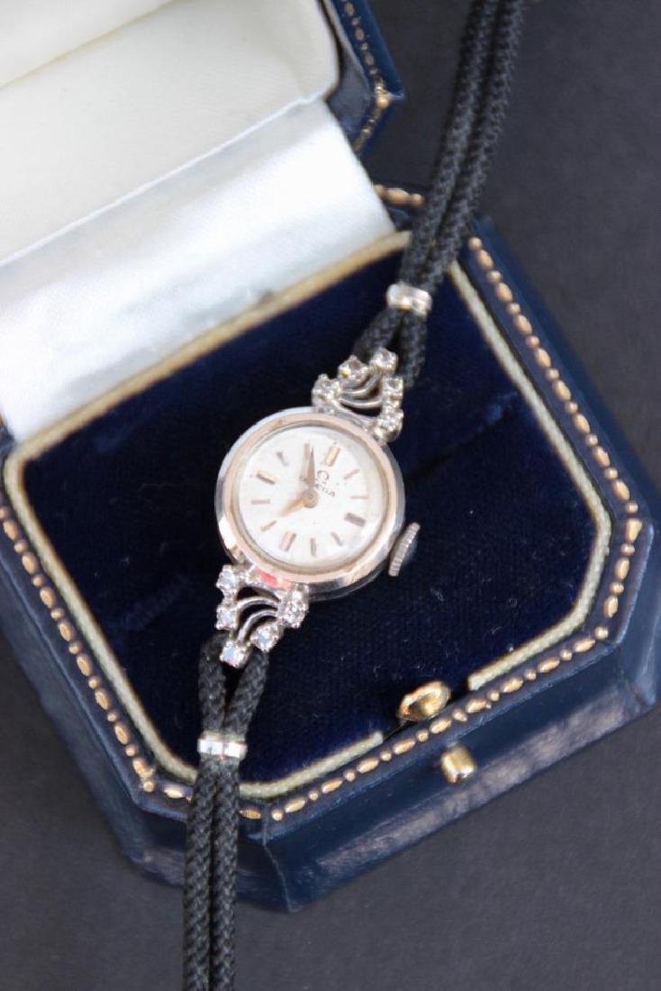 OMEGA Montre bracelet pour dame , boitier en or blanc