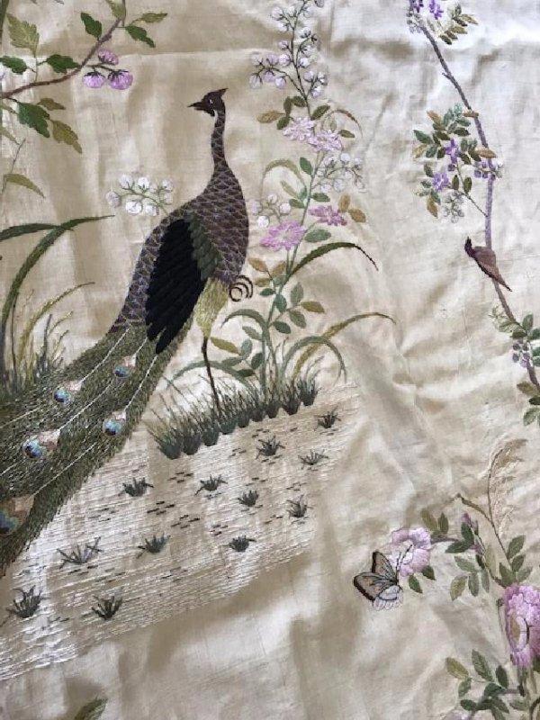 Rideau en coton brodé à décor de paons  150 x 220 cm