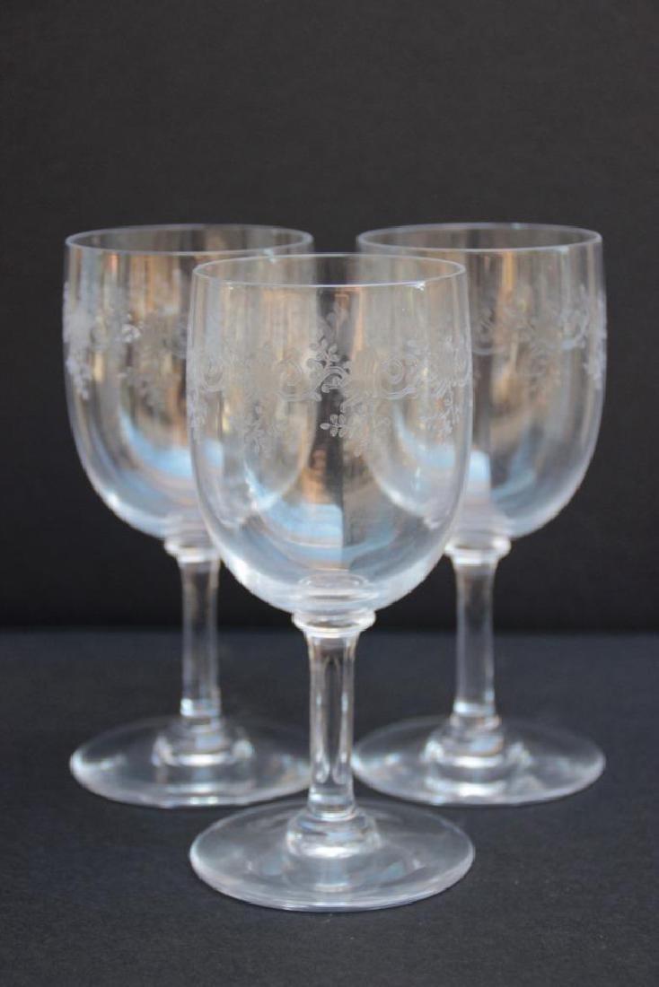 BACCARAT Ensemble de 12 verres sur pied en cristal