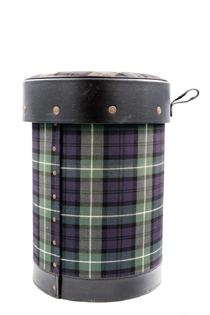 JACQUES ADNET (1900-1984)  Pouf formant corbeille à