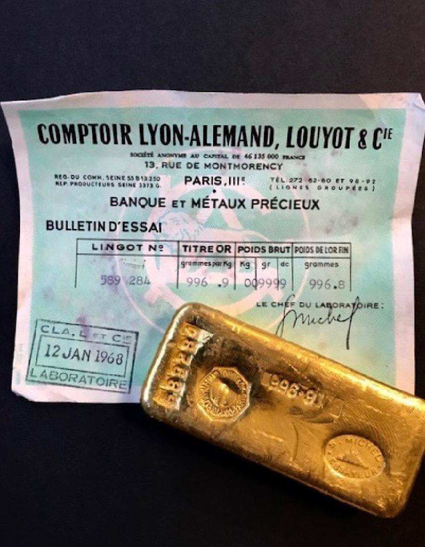 Un lingot en or de 1kg Numéroté 589284 avec certificat