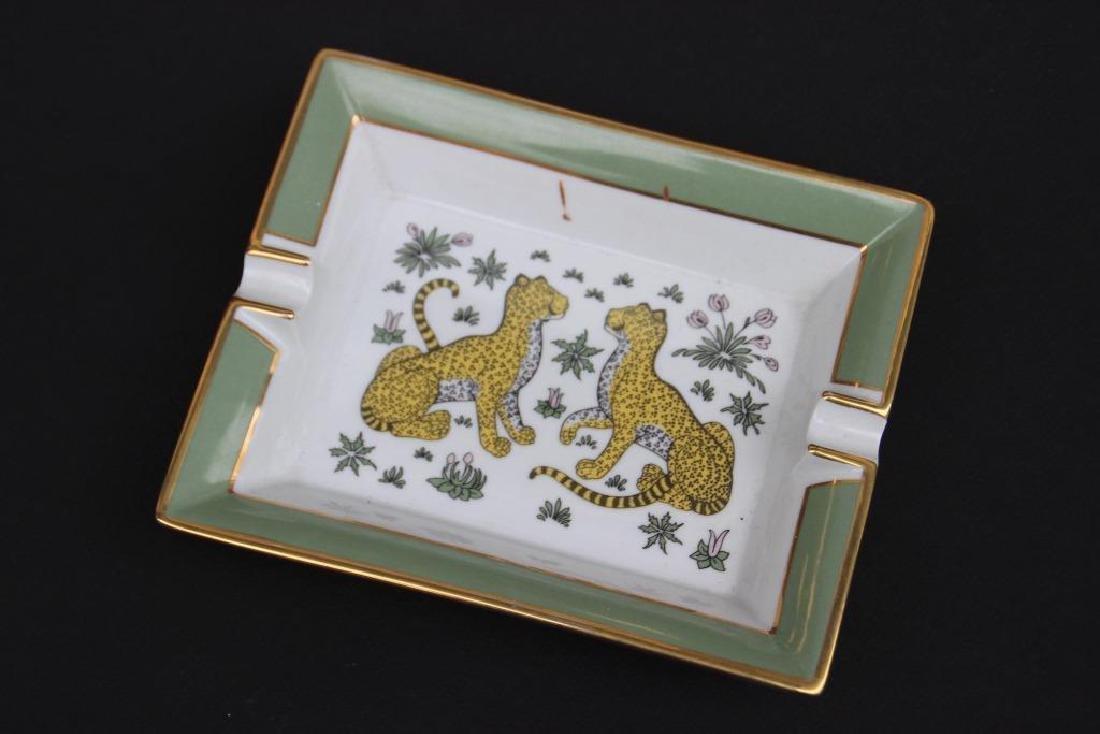HERMES Cendrier en porcelaine à motif de léopards 4 x