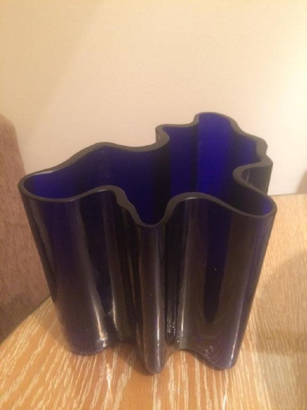"""Alvar AALTO (1898-1976) Vase en verre bleu """"cobalt"""""""