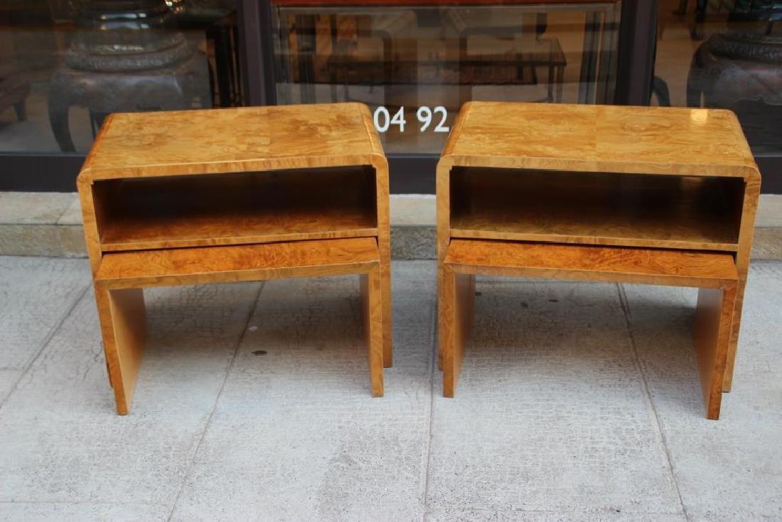 Paire de chevets en bois clair à tablette basse tirable