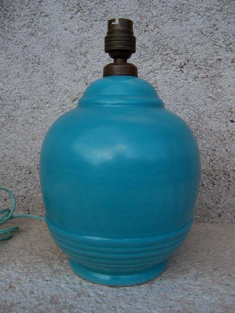 KAZA France Lampe en céramique bleu. Signé en dessous