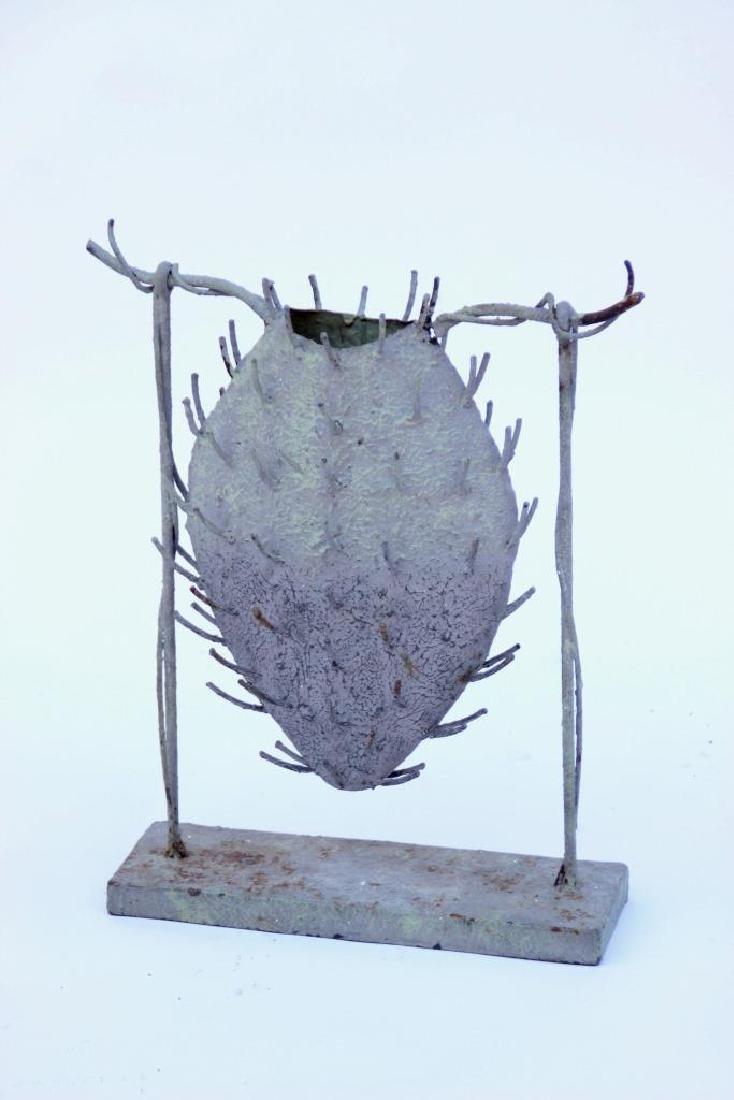 Sculpture en métal patiné d'inspiration végétale  50 x