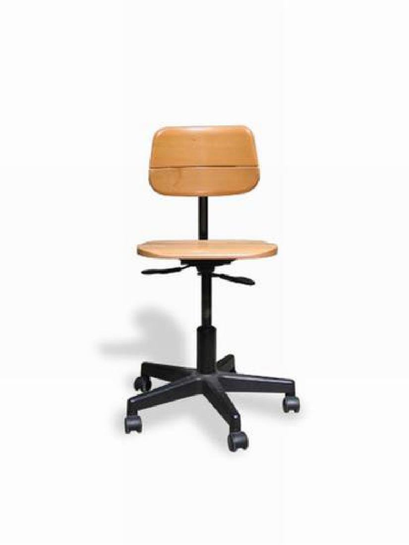 Martin STOLL (XX-XXI)  Chaise en bois noir et marron -