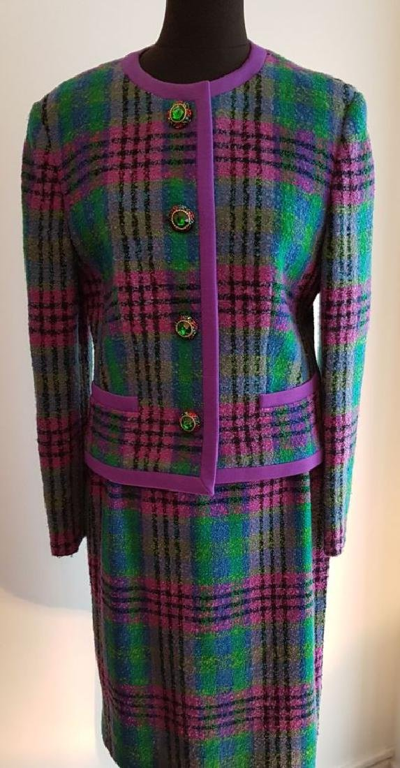 LOUIS FERAUD Tailleur en laine tweed dans des tons