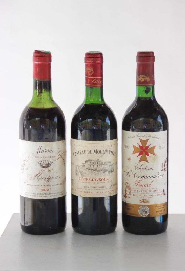 Lots de 5 bouteilles comprenant :  - 3 bouteilles de