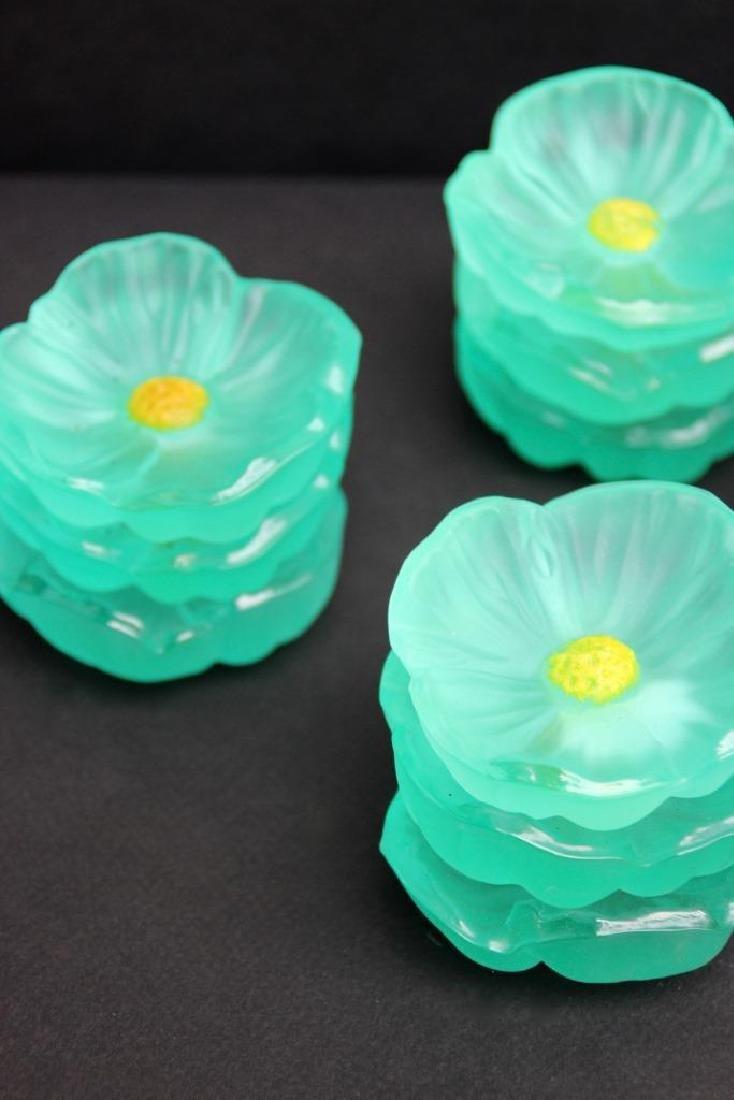 DAUM Ensemble de 12 petites coupelles en pate de verre - 2