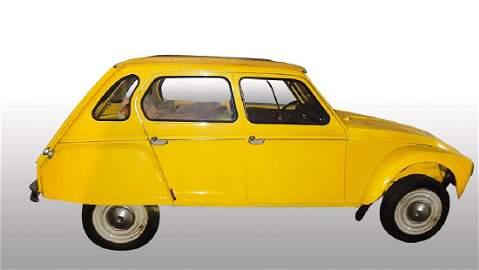 Un véhicule de marque Citröen, modèle Dyane, Date de