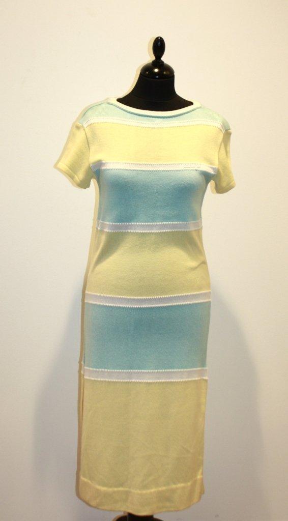 97: COURREGES - Robe en coton rayé pastel jaune et bleu