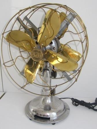 13: Ventilateur  à double hélices de quatre pales en la