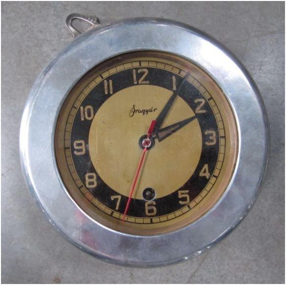 15: Pendule de cloison de sous-marin allemand avec habi