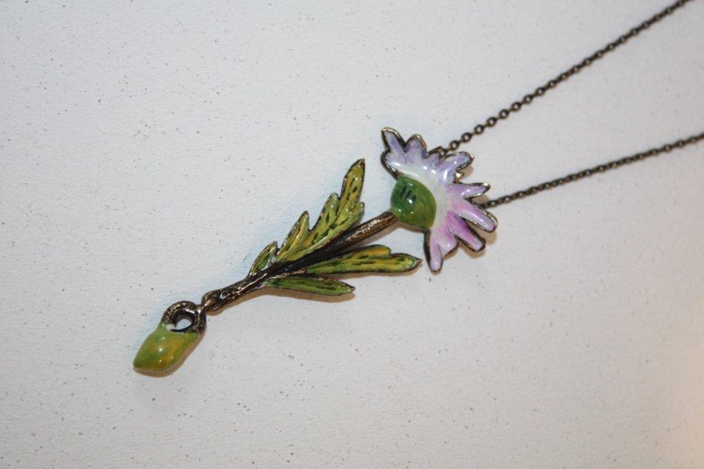 5: DIOR - Collier en métal noirci orné d'un pendentif f