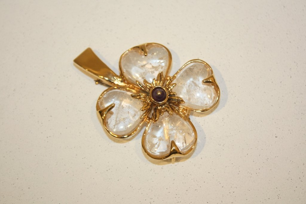 15: GOOSSENS - Broche en forme de fleur en métal doré e