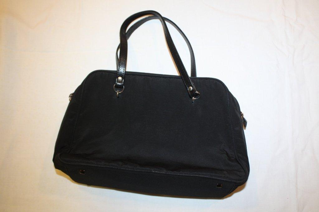 7: LANVIN-Sac en tissu enduit noir, deux anses en cuir