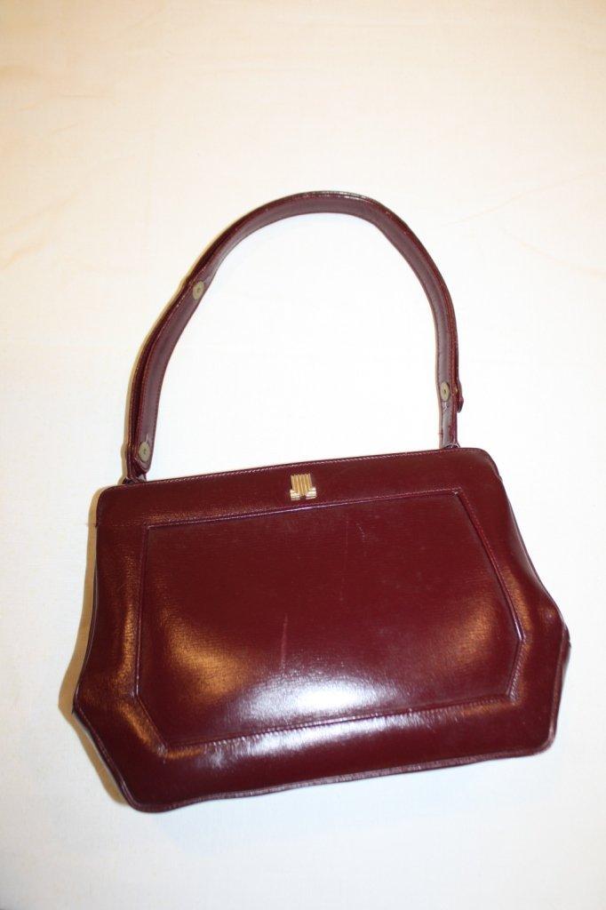 8: LANVIN-sac en cuir rouge bordeaux, une anse réglable