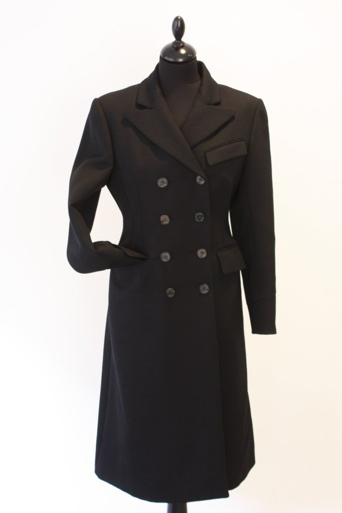 HERMES - Manteau en laine noire, doublure en soie impri