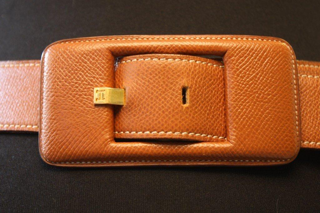 HERMES - ceinture en cuir grainé gold, boucle gainée. T