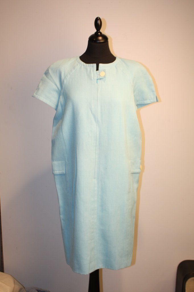 COURREGES - Robe en laine et lin bleu pâle, fermeture p