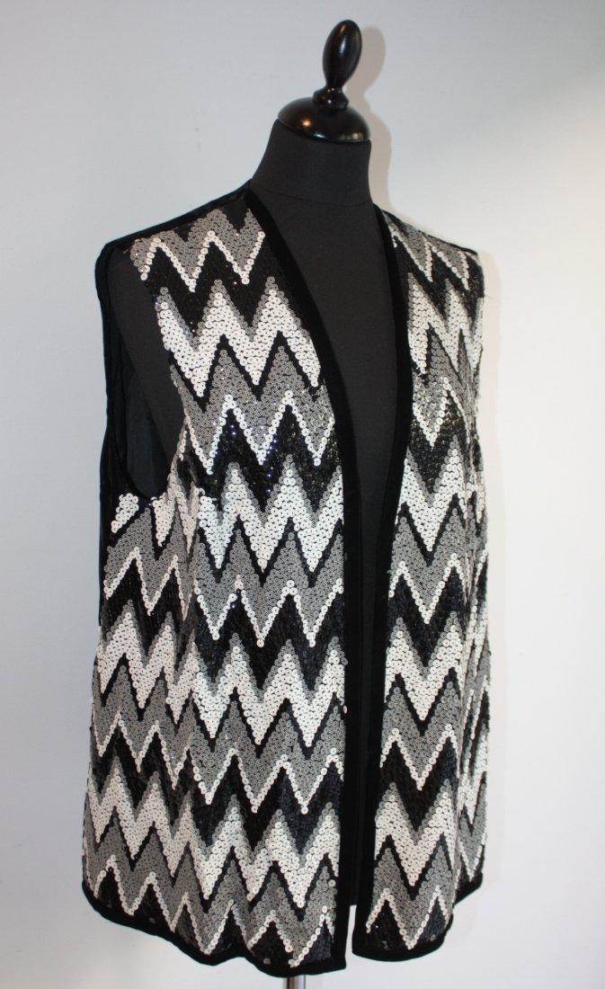 ANONYME   Veste à paillettes à décor géométrique, dos e