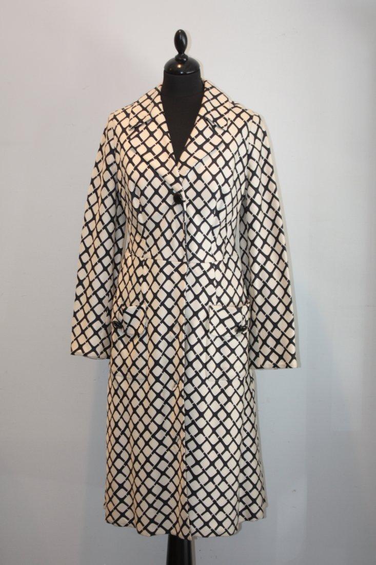 BALMAIN Robe manteau en soie crème imprimée d'un quadri
