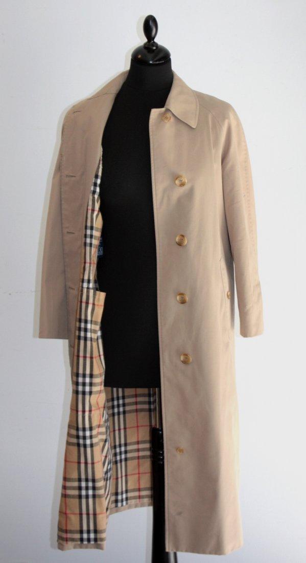 BURBERRY'S  Trench coat pour dame. Beige intérieur tart