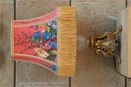 Pied de lampe en bronze ciselé et doré à décor de