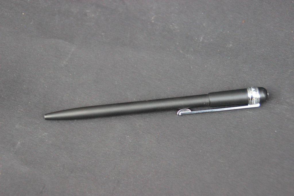 MONT-BLANC Stylo bille noir laqué Etat d'usage