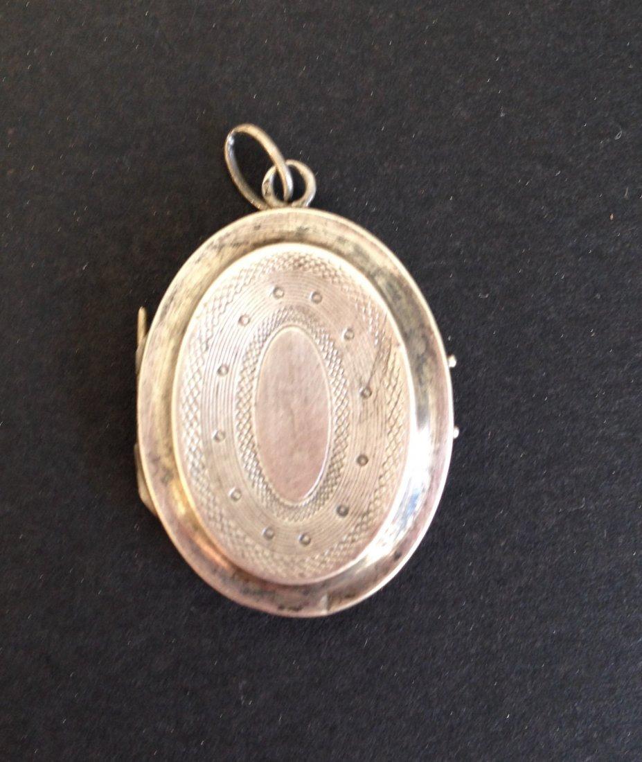 Pendentif porte photo en argent  Epoque Napolon III P