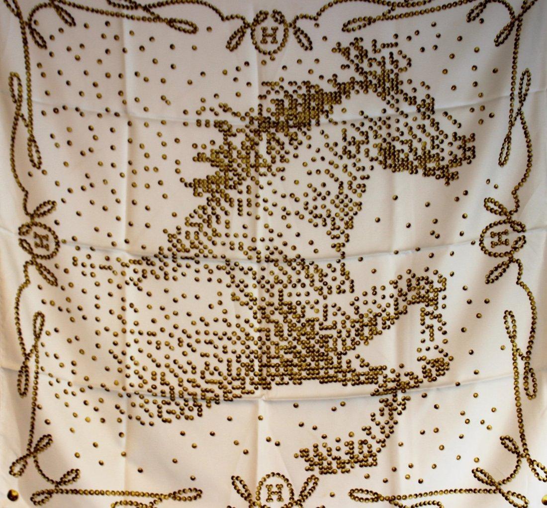 HERMES Paris Made in France  Carr en soie imprime ,