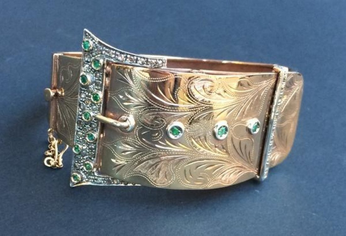 Bracelet en forme de ceinture en or jaune 9 K orné