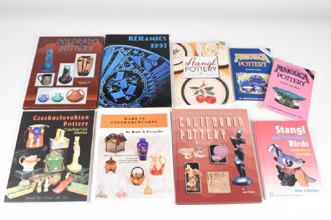 (9) Value and Identification Guides to Pottery