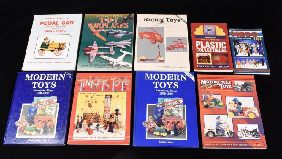 (9) Several Reference Books on Modern Toys