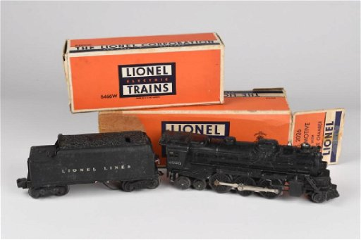 Lionel 2026 Locomotive & 6466 Whistle Tender