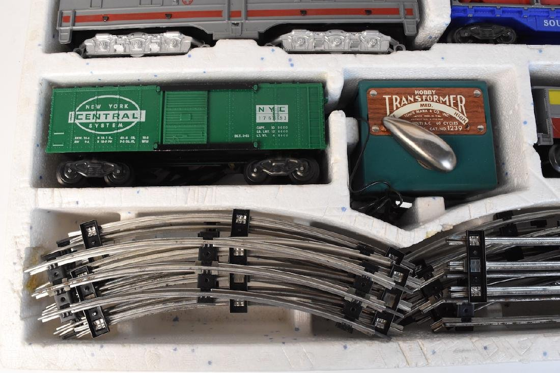 Complete Set Diesel-Electric Train by Marx - 3