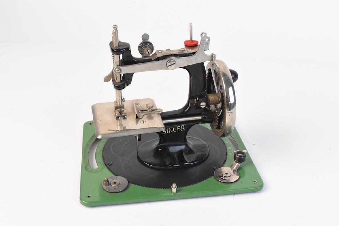 Vint. Singer Sewing Machine Salesman Sample & Toy - 3