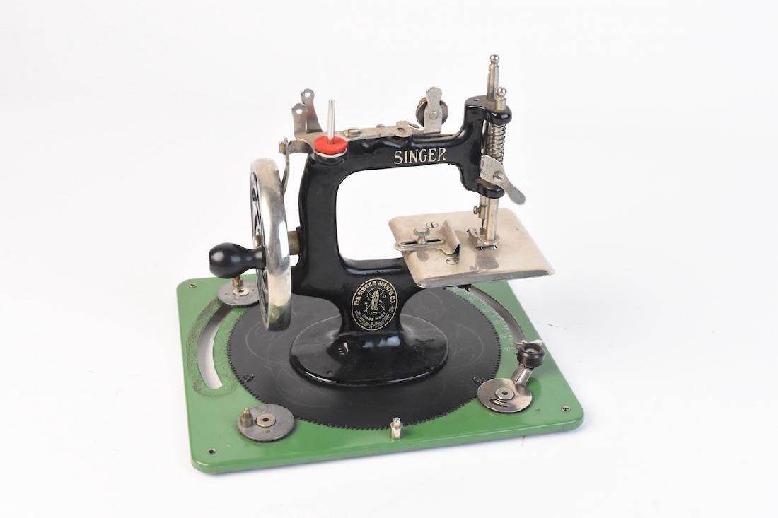 Vint. Singer Sewing Machine Salesman Sample & Toy - 4