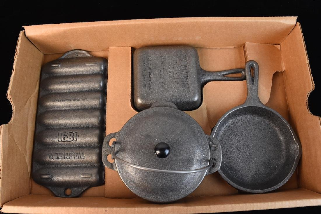 Wagner Ware Cast Iron Set of Miniatures - 3