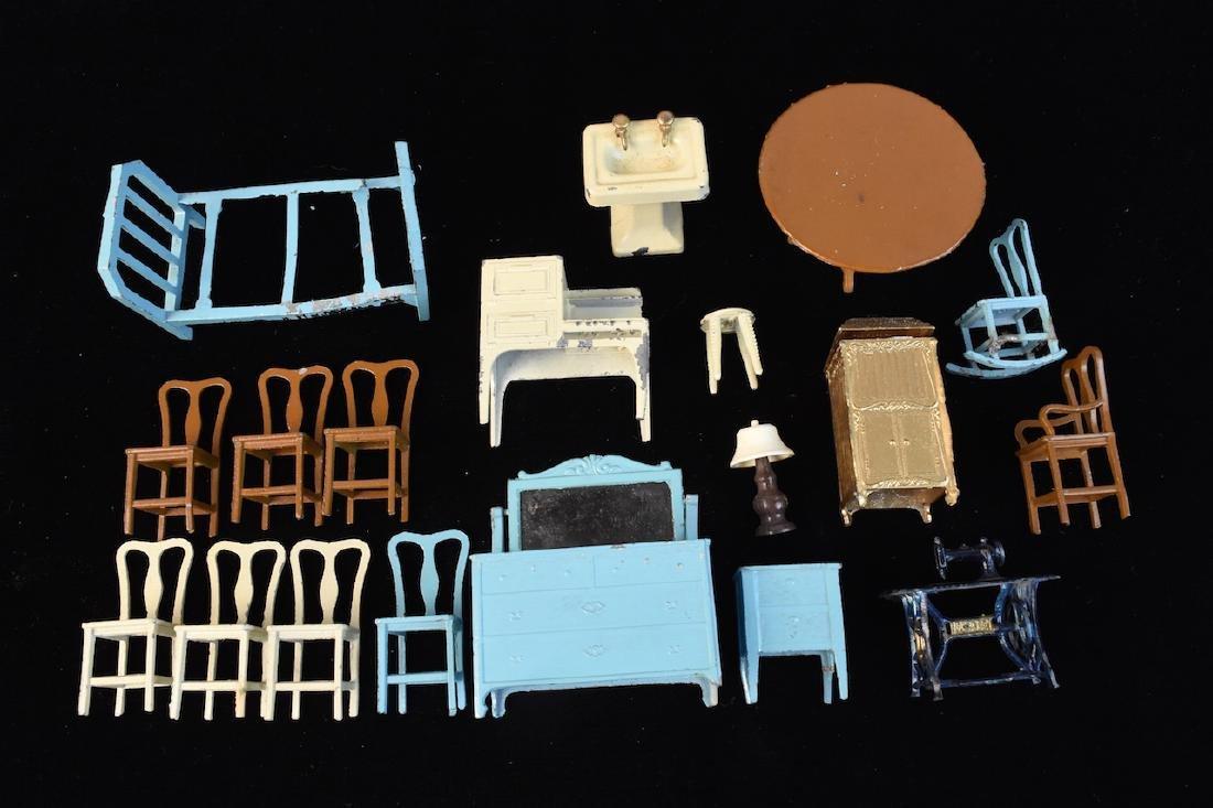 Miniature Tootsie Toy Cast Iron Doll Furniture