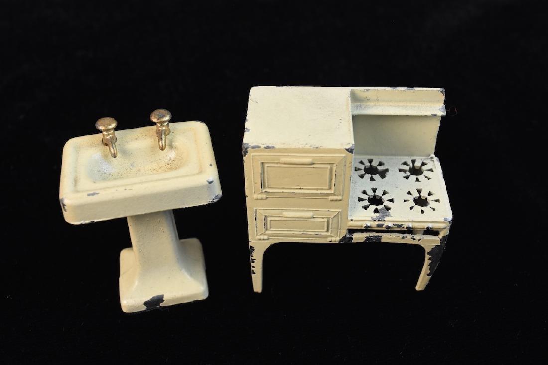 Miniature Tootsie Toy Cast Iron Doll Furniture - 3