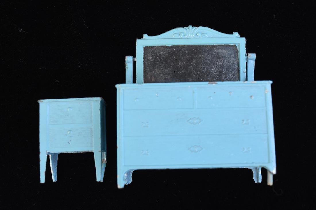 Miniature Tootsie Toy Cast Iron Doll Furniture - 8