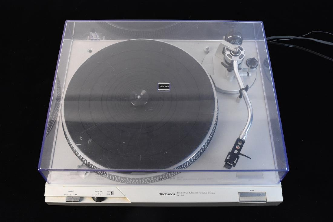 Technics Record/Vinyl Player Model SL-D2