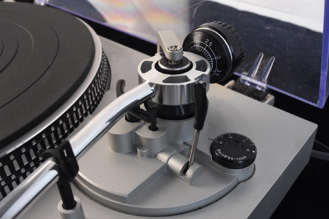Technics Record/Vinyl Player Model SL-D2 - 4